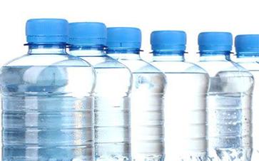 2018年包装饮用水行业发展分析,差异化才能突出重围!